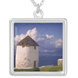 Collier L'Europe, Grèce, Mykonos. Un blanc saisissant