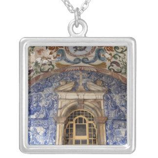 Collier L'Europe, Portugal, Obidos. Architectural coloré