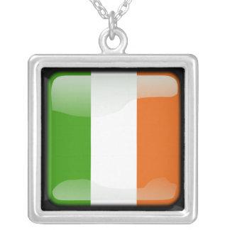 Collier L'Irlande a poli