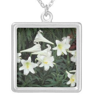 Collier Lis de Pâques (le Lilium regale)