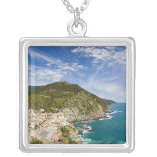Collier L'Italie, Cinque Terre, Vernazza, ville de