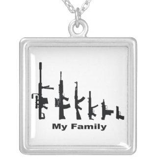 Collier Ma famille (armes à feu d'amour d'I)