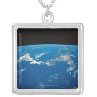Collier Mettez à la terre d'un satellite 4