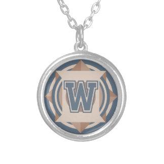 "Collier Monogramme de l'initiale ornementale ""W"""