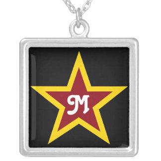 Collier Monogramme fait sur commande simple d'étoile rouge