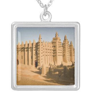 Collier Mosquée chez Djenne, un exemple classique de