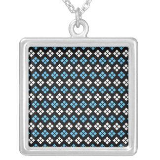 Collier Motif à motifs de losanges élégant de bleu et de