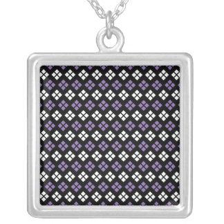 Collier Motif à motifs de losanges pourpre et blanc pâle