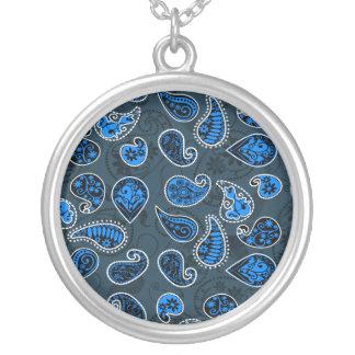 Collier Motif dimensionnel multi de Paisley dans le bleu