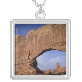 Collier Na, Utah, arque le parc national. Double voûte