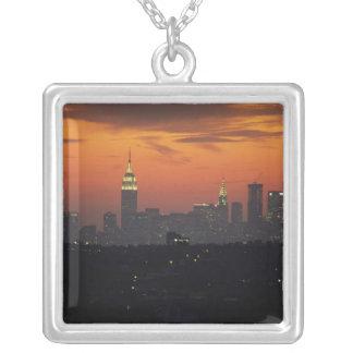 Collier New York, Etats-Unis. Horizon de Manhattan de la