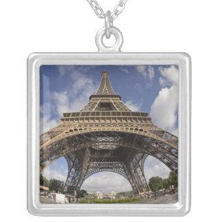 Collier Oeil de poissons tiré de Tour Eiffel