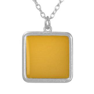 Collier orange.jpg