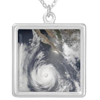 Collier Ouragan Douglas