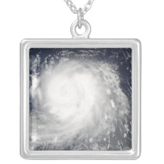 Collier Ouragan Ike 5