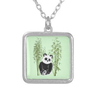 Collier Panda dans le bambou