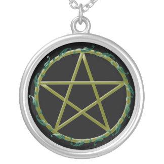 Collier Pentagramme avec le feuille