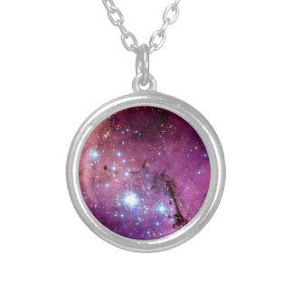 Collier Photo de l'espace de Hubble de formation d'étoile