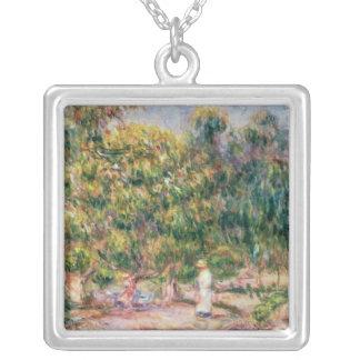 Collier Pierre une femme de Renoir   dans le jardin de Les