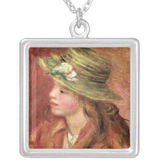Collier Pierre une jeune fille de Renoir | dans un chapeau