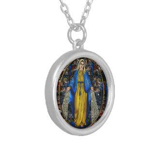 Collier plaqué par argent de Virgen Milagrosa