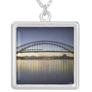 Collier Pont de port de Sydney et théatre de l'opéra de