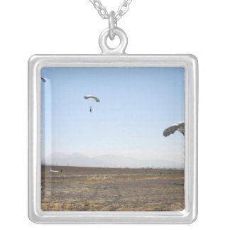 Collier Pullovers de parachute de chute libre