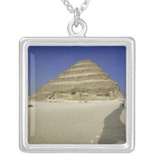 Collier Pyramide d'étape à Saqqarah, un des plus tôt