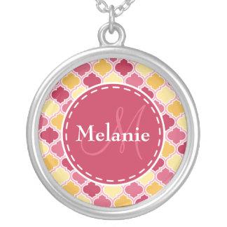 Collier Quatrefoil jaune rose décoré d'un monogramme