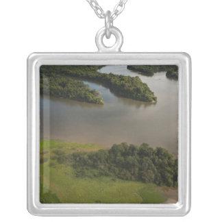 Collier Rivière d'Essequibo, la plus longue rivière en