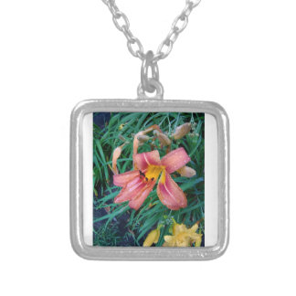 Collier rose de Lillies