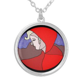 Collier rouge de dessin de femme de capot