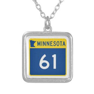 Collier Route 61 de tronc du Minnesota