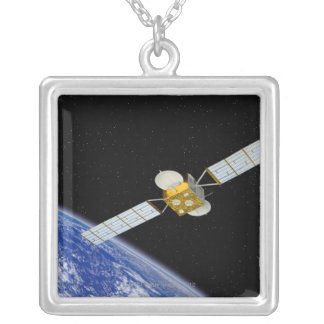 Collier Satellite de télécommunications