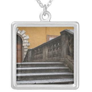 Collier Sienna, Toscane, Italie - vue d'angle faible de