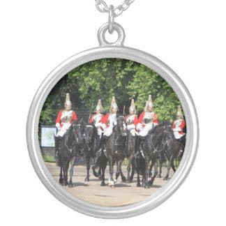 Collier Soldats montés par cavalerie de ménage en photo de