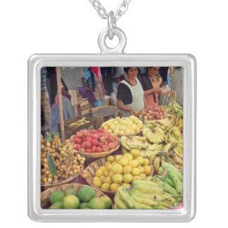 Collier Stalle de fruits et légumes