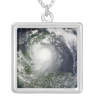 Collier Tempête tropicale Karl au-dessus de la péninsule