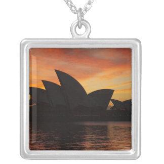 Collier Théatre de l'opéra de Sydney à l'aube, Sydney,