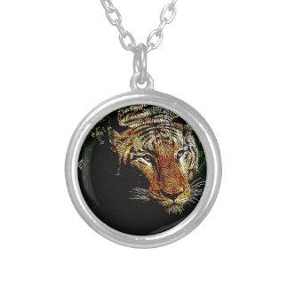 Collier tigre sauvage animal de safari prédateur de faune