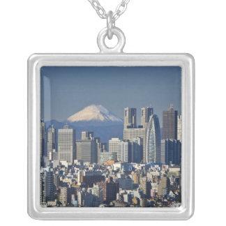 Collier Tokyo, horizon de secteur de Shinjuku, le mont