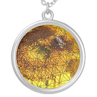 Collier Tournesol, abeille et fleur de la vie