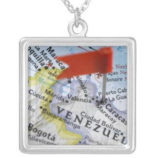 Collier Tracez la goupille placée à Caracas, Venezuela sur