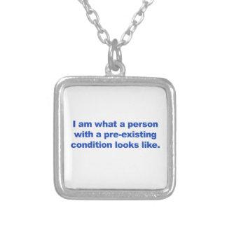 Collier Une personne dans une condition préexistante