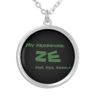 Collier Ze ou pronom fait sur commande