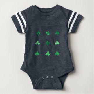 Combinaison du football de bébé avec neuf feuilles body