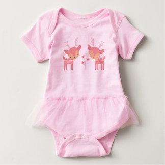 Combinaison rose de bébé de cerfs communs body