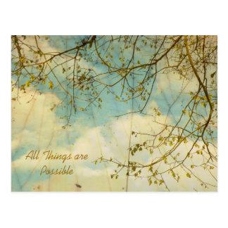 Comme les nuages flottent par la carte postale