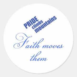 conception chrétienne de foi-mouvement-montagnes sticker rond
