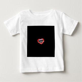 Conception de coeur de bougie pour l'état du t-shirt pour bébé